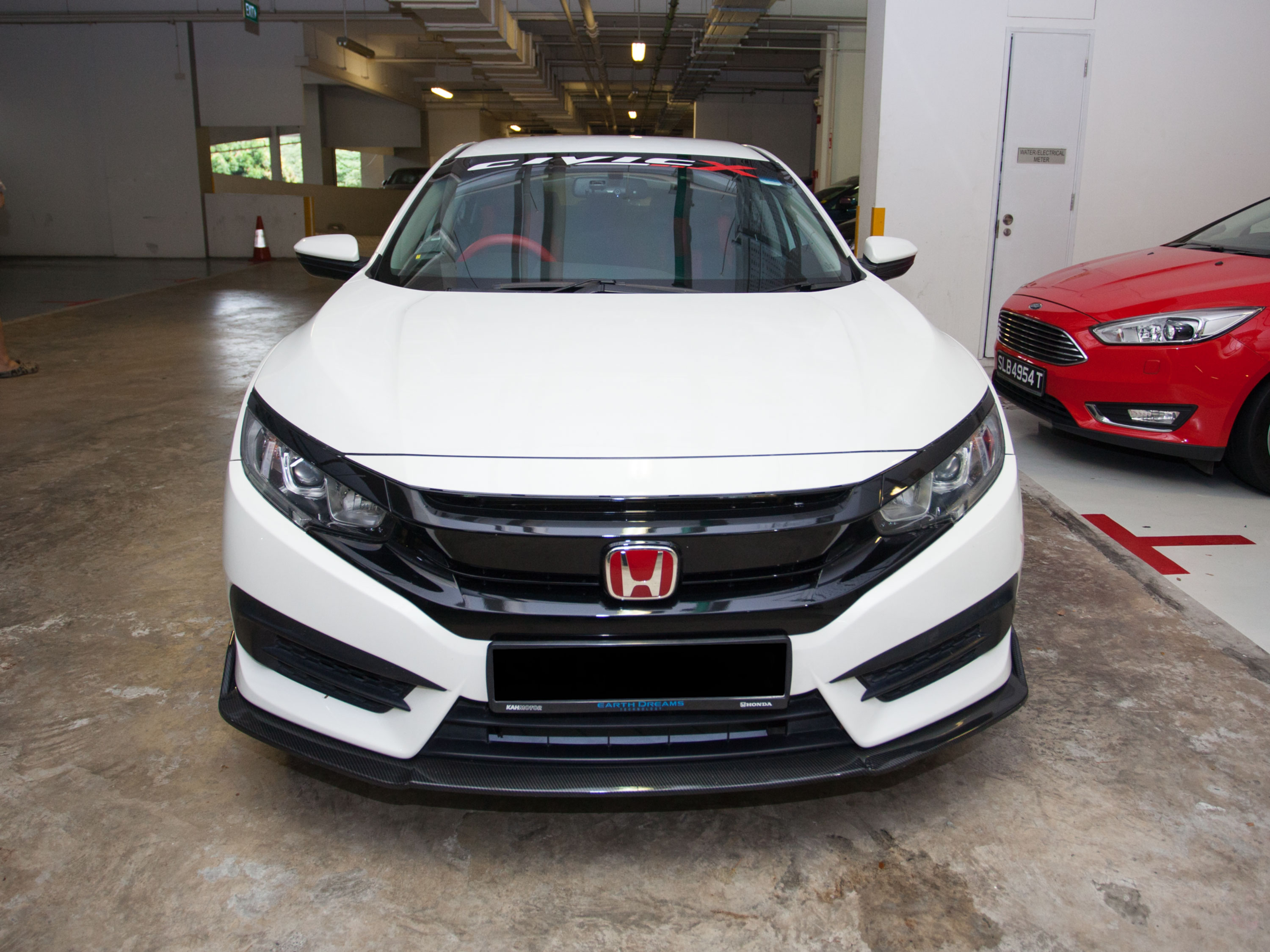 Honda Civic 1.6 VTI CVT [White] (For Rent)